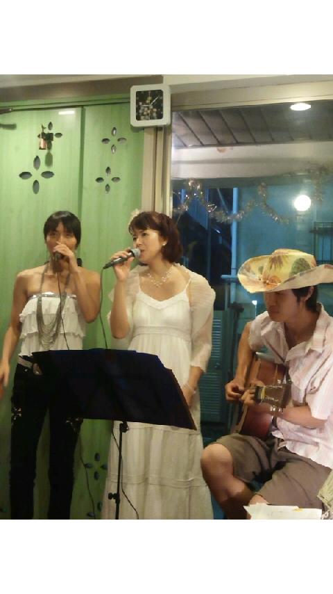 7月28日「優美展(優亞さん・石渡美香さん2人展)」オープニングライブ写真